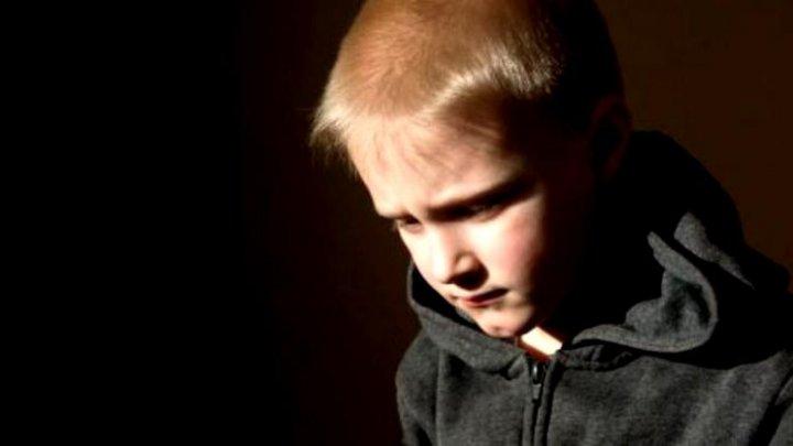 CRIMĂ ODIOASĂ! Un băiat de 9 ani a fost decapitat de doi membri ai familiei lui