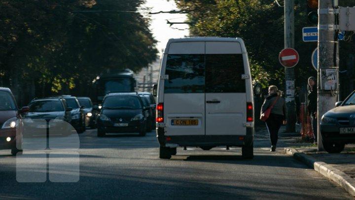 InfoTrafic: Două ACCIDENTE RUTIERE în Capitală. Străzile pe care se circulă cu dificultate