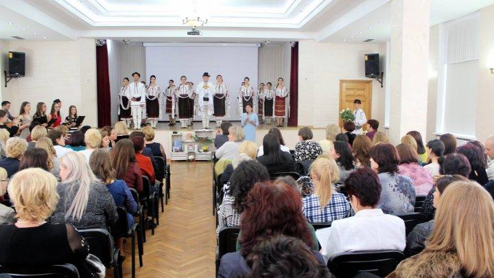 Mesajul Silviei Radu către studenți de Ziua Internațională a Profesorului: Tratați pacientul ca pe un membru al familiei voastre