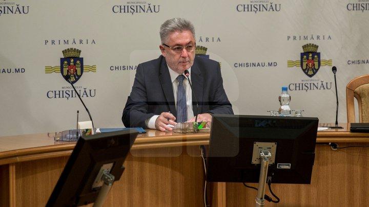 Nistor Grozavu despre lucrările de reparare a blocului în care a avut loc explozia: Vom încerca să nu oprim nici pentru o zi lucrările aici