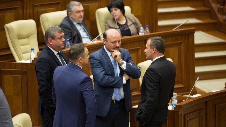 """Candu: Cei 13 """"eroi ai neamului"""" au trădat cetățenii Republicii Moldova. Ei au fugit de propriile promisiuni"""