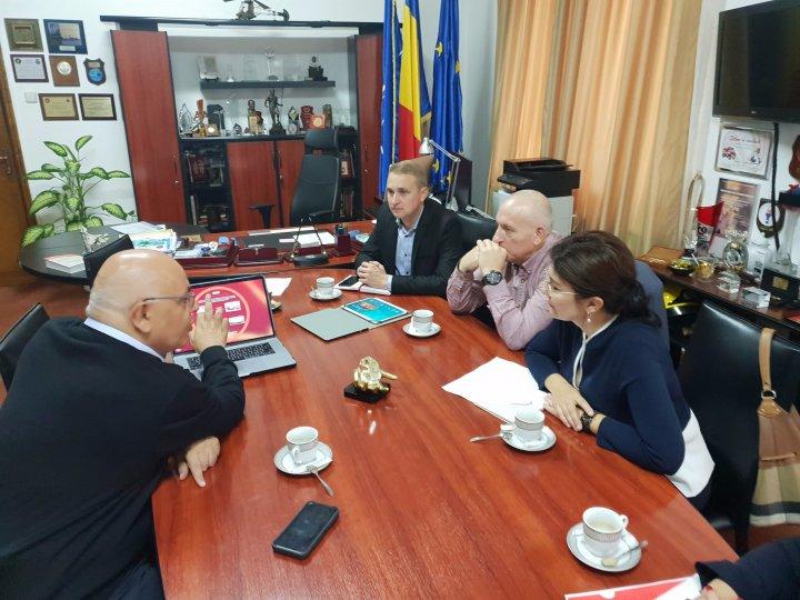 Silvia Radu s-a întâlnit cu Raed Arafat: Vrem să îmbunătăţim activitatea Centrului Naţional de Asistenţă Medicală Urgentă