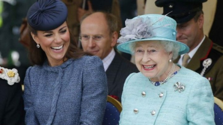 Regina Elisabeta şi Kate Middleton au avut o întâlnire privată înainte de nunta cu Prinţul William