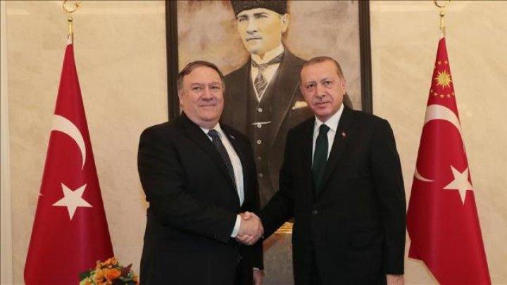 Recep Erdogan s-a întâlnit cu Secretarul de Stat al SUA, Mike Pompeo, înainte de zborul spre Moldova