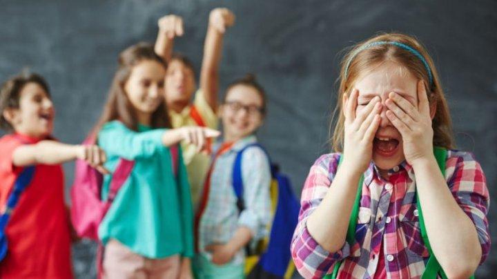 Bullying-ul, interzis prin lege în România. Deputaţii români au adoptat proiectul care INTERZICE violenţa psihologică în şcoli