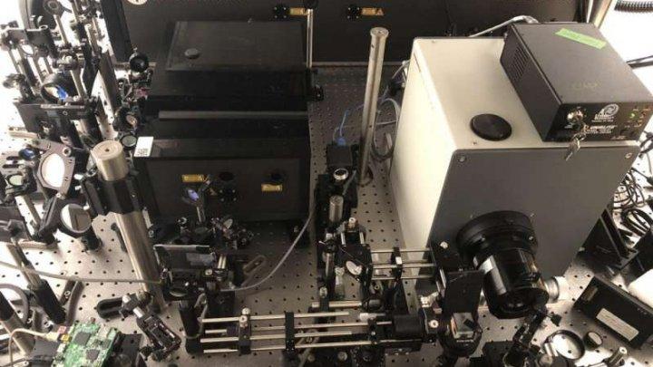 Captează 10 mii de miliarde de cadre pe secundă. A fost creată cea mai rapidă cameră de filmat din lume