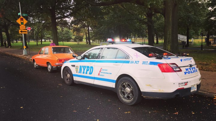MOTIVUL SURPRINZĂTOR pentru care singura Dacie 1300 din New York a fost oprită de poliţie