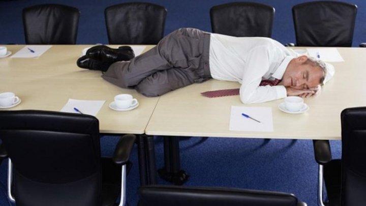 Finlanda, prima țară în care angajații sunt plătiți ca să doarmă în timpul orelor de muncă (VIDEO)