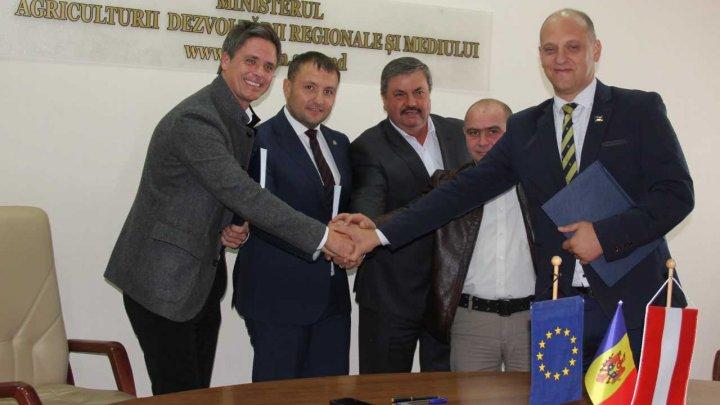 UE şi Guvernul Austriei alocă șase milioane de euro pentru un proiect de asigurare cu apă și canalizare a orașului Cantemir