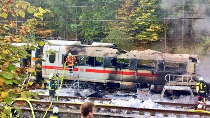 INCENDIU de amploare într-un tren din Germania: Cel puţin cinci răniţi şi sute de persoane evacuate (VIDEO)