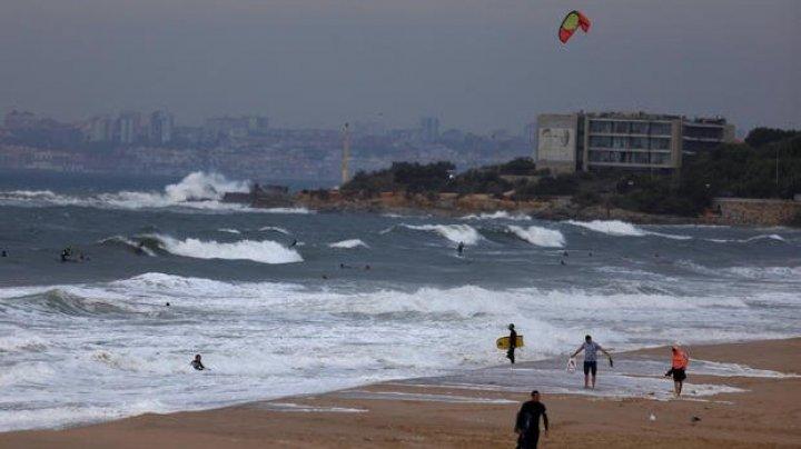 Uraganul Leslie s-a abătut asupra Portugaliei. O persoană şi-a pierdut viaţa, 28 au fost rănite şi 61 au rămas fără locuinţe