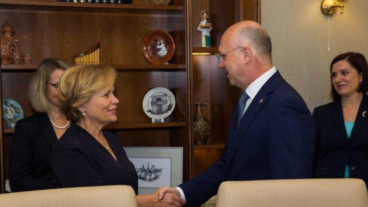 Pavel Filip la întrevedere cu președintele AP NATO: Moldova este o țară neutră, dar asta nu înseamnă izolată