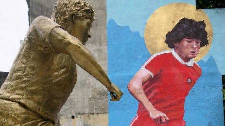 Lângă stadionul echipei Argentinos Juniors a fost inaugurată o statuie dedicată lui Maradona