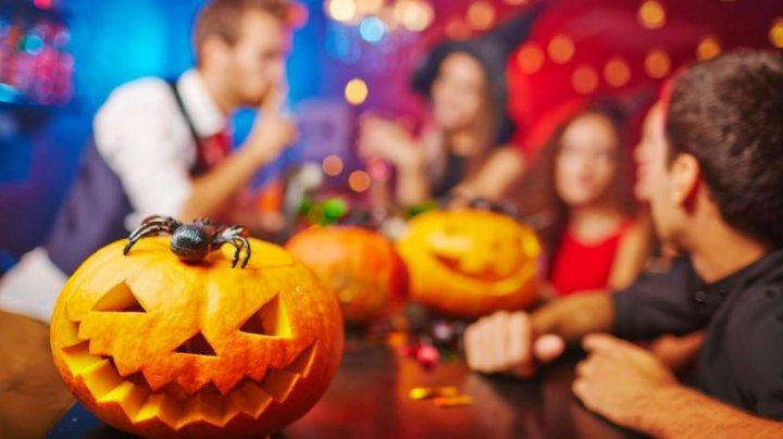 Cele mai populare OBICEIURI de Halloween! Ce trebuie să faci neapărat în Noaptea Groazei