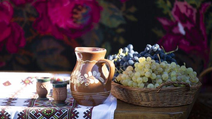 De Ziua Naţională a Vinului, vinificatorii moldoveni au fost premiați pentru rezultatele obţinute în domeniu
