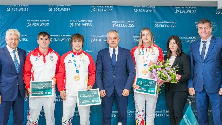Vlad Plahotniuc s-a întâlnit cu campionii Tatiana Salcuțan și Alexandrin Guțu: Cei mai buni ambasadori ai ţării noastre