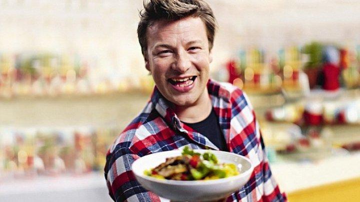 Maestrul bucătar, Jamie Oliver este în căutarea unui nou investitor pentru lanţul său de restaurante