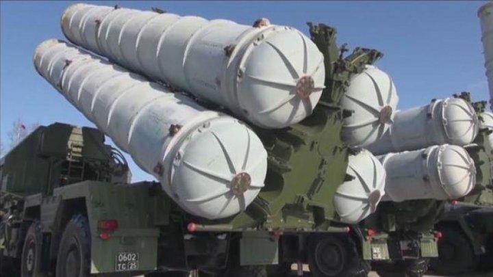 India ignoră avertizările SUA. Semnează un contract militar de milioane de dolari cu Rusia