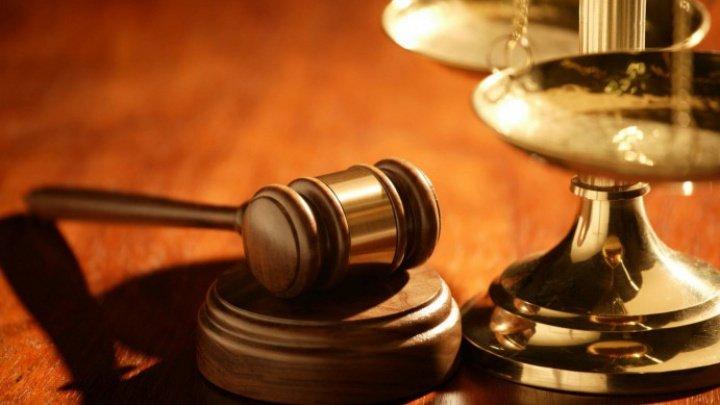 Peste 7.000 de inculpaţi, trimişi în judecată în prima jumătate a anului. Ce infracţiuni se comit cel mai des