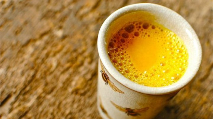 BINE DE ŞTIUT! Cum se prepară laptele de aur, cel mai puternic elixir natural. Purifică sângele şi ficatul
