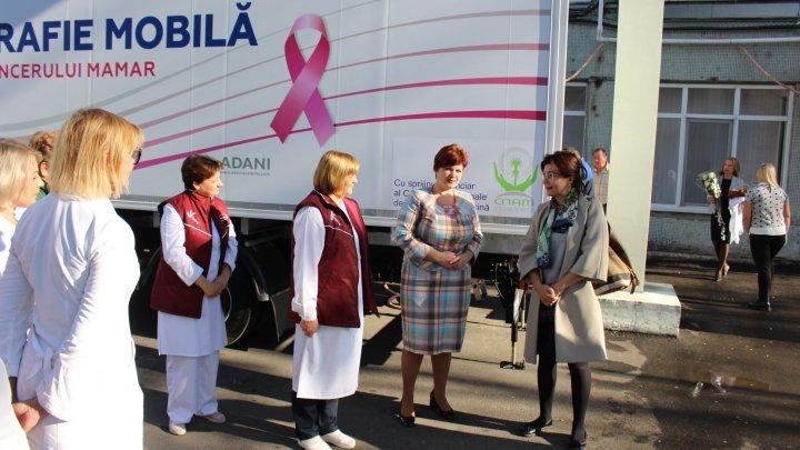 Ministrul Silvia Radu: Cancerul de sân se tratează şi se poate vindeca, important e să îl descoperim la timp
