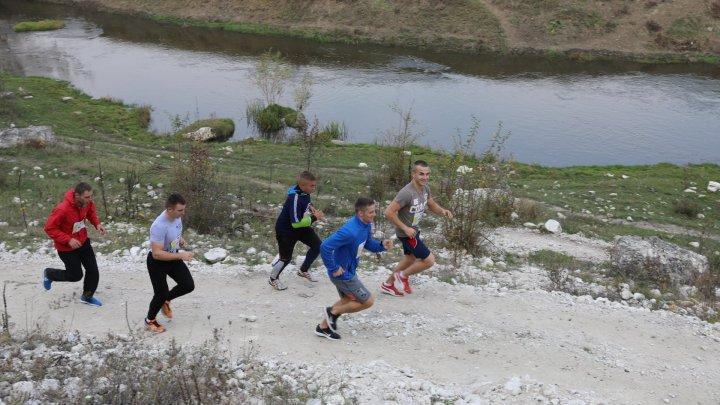 Un mod sănătos de viață! Angajați ai instituţiilor subordonate MAI au participat la un maraton, iar câștigătorii au fost premiați (FOTO)