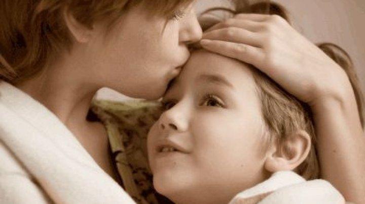 STUDIU: Cum este influenţată imunitatea copilului, dacă mama se află în depresie