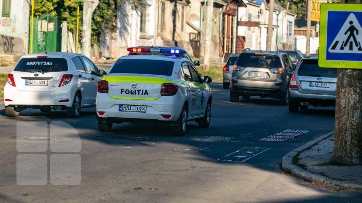 Un bărbat din Capitală a fost amendat după ce a sunat la 112 şi a anunţat că inspectorii de patrulare sunt beţi