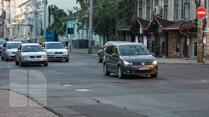 Îşi pun viaţa în pericol. MII de șoferi, prinşi în timp ce conduceau fără permis de conducere. Au fost AMENDAŢI