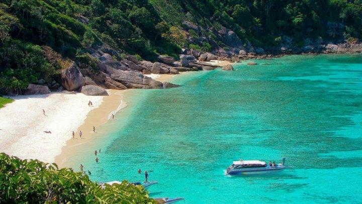 Înnoptarea turiştilor pe Insulele Similan din Thailanda a fost interzisă