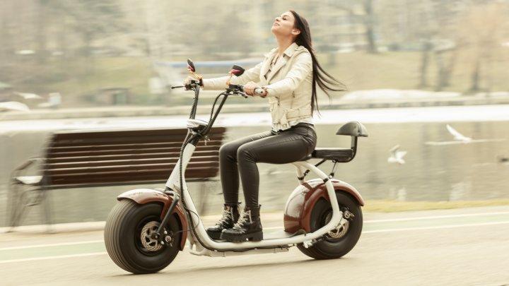 Franţa doreşte să interzică accesul scuterelor electrice pe trotuarele şi aleile pietonale. Care este motivul