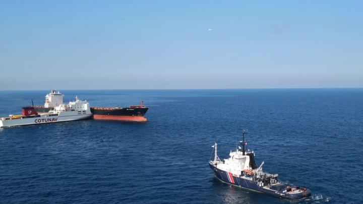 O pată uriașă de carburant a apărut pe suprafața Mării Tireniene după ce două nave s-au ciocnit