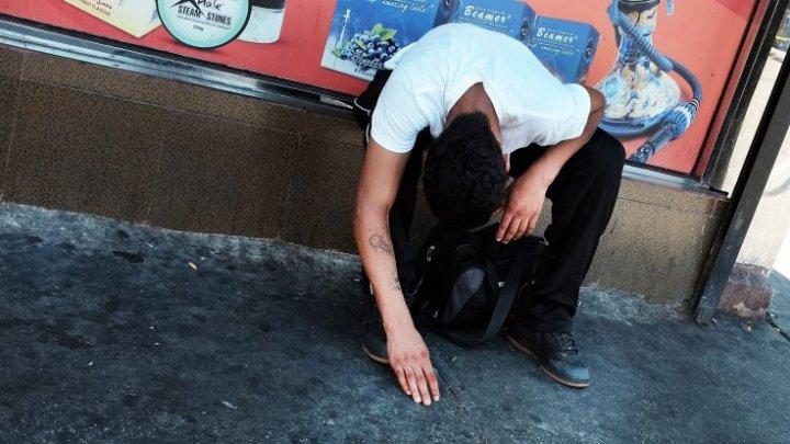 DROGUL ZOMBIE în România. Mai multi copii cu halucinații, surprinși pe stradă (VIDEO)