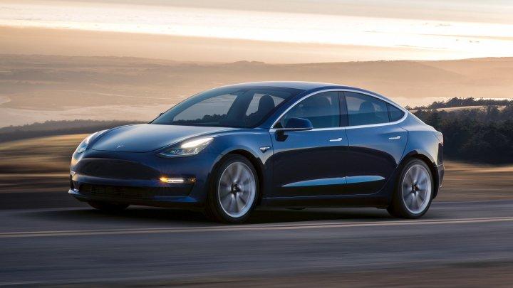 Veşti bune de la Tesla. Compania a înregistrat un profit trimestrial rar, iar acţiunile au crescut cu 11%