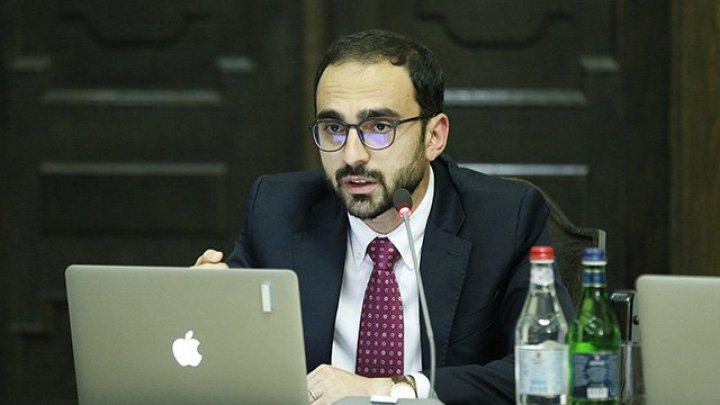 Prim-ministrul Armeniei, acuzat de consum de marijuana, învinuieşte instituţia de presă de calomnie