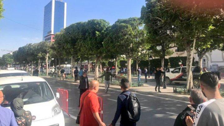 ATENTAT SINUCIGAŞ în Tunisia: O islamistă s-a aruncat în aer în centrul oraşului