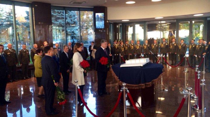 Mii de credincioşi s-au rugat pentru Ucraina şi pentru autocefalia bisericii în Piaţa Sofia de la Kiev