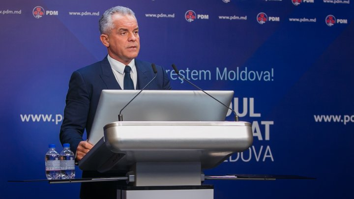 Vlad Plahotniuc anunță majorări semnificative a salariilor a peste 150.000 de bugetari: Niciun angajat din sistemul public nu va primi mai puţin de 2.000 de lei!
