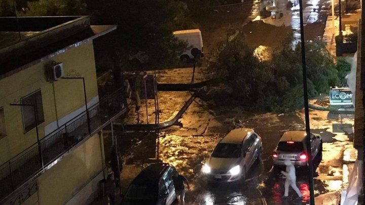VREMEA REA face ravagii: Italia se află sub Cod portocaliu de furtuni, iar Genova a fost devastată de o tornadă (VIDEO)