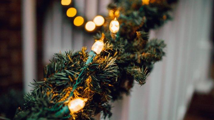 Fără luminiţe de Crăciun! Ghirlande electrice în valoare de aproape 7 milioane de lei, confiscate în Portul Constanţa