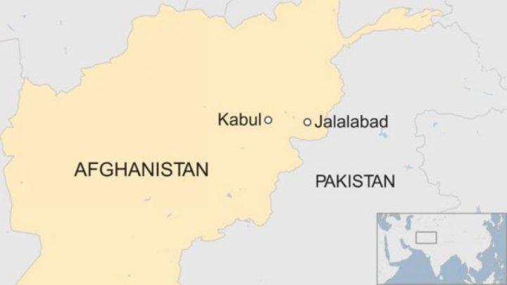 Atac terorist sinucigaș în Afganistan lângă o bază militară americană: Doi morţi şi cinci răniţi