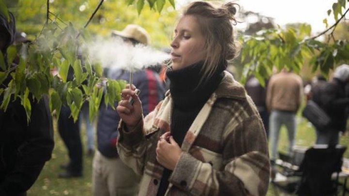 Canada: La cât timp a fost dată prima amendă pentru consum de cannabis după legalizare