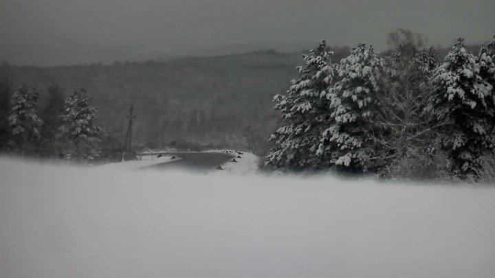 O nouă zi cu ninsoare. Cum se circulă pe drumurile din țară (GALERIE FOTO)