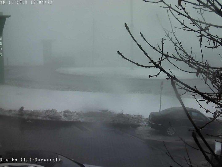 Codul galben de ninsori și lapoviță a intrat în vigoare. Cum se circulă la această oră pe drumurile naționale (GALERIE FOTO)