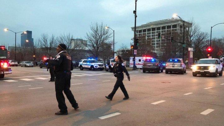 DOLIU în Chicago: Patru oameni morţi şi unul în stare GRAVĂ după ce un bărbat a ÎMPUŞCAT la întâmplare într-un SPITAL