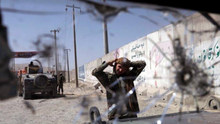 Kabul: TREI MORȚI și patru răniți în urma unei explozii. SUA numără victimile atacurilor localnicilor din Afghanistan