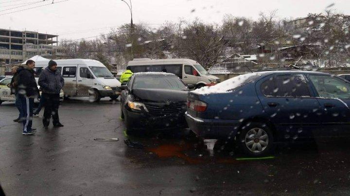 Accident pe Calea Orheiului. Șoferii s-au luat la harță (FOTO/VIDEO)
