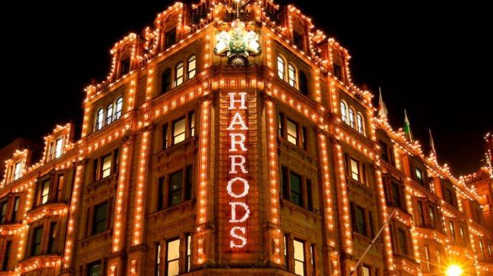 Feerie de Crăciun: Renumitul magazin Harrods şi-a aprins oficial luminiţele (VIDEO)