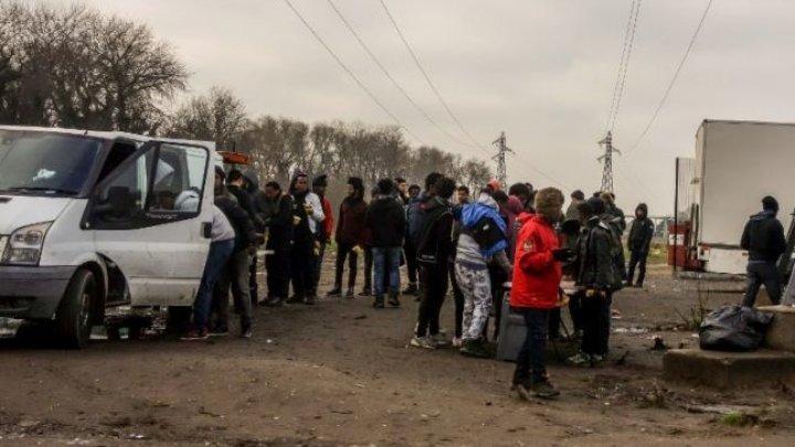 Tensiuni în Tijuana. Sute de migranţi manifestează în apropiere de frontiera cu SUA