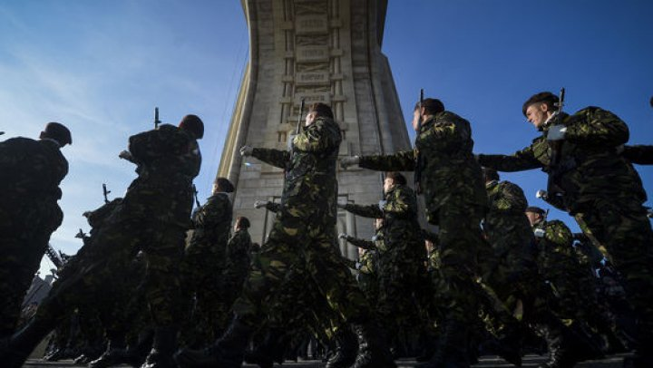 Mii de militari vor participa la parada din 1 Decembrie cu peste 200 de mijloace tehnice